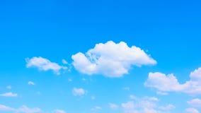 Nuvole bianche - timelapse video d archivio