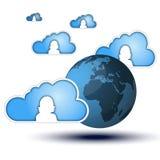 Nuvole blu con l'icona della siluetta della ragazza intorno ad un blu Immagini Stock
