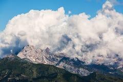 Nuvole che coprono montagna Immagine Stock Libera da Diritti