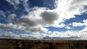 Nuvole che si spostano per le pianure di Patagonia archivi video