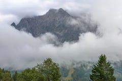 Nuvole che surronding le alpi tedesche Fotografia Stock Libera da Diritti