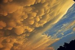 Nuvole d'intimidazione Fotografia Stock Libera da Diritti