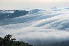 Nuvole dalle cascate fotografie stock libere da diritti