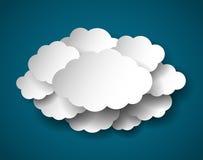 Nuvole del taglio della carta, illustrazione realistica di vettore Immagine Stock