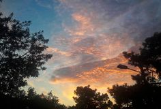 Nuvole deliziose al tramonto immagini stock libere da diritti