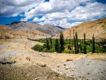 Nuvole delle montagne greenary Immagini Stock Libere da Diritti