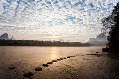 Nuvole di altocumulus di primo mattino immagini stock