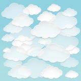 Nuvole di carta astratte di vettore nel cielo blu Immagine Stock Libera da Diritti