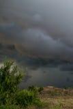 Nuvole di Horrifine che si muovono davanti alla tempesta Fotografia Stock Libera da Diritti