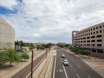 Nuvole di monsone sopra Washington Avenue, Phoenix, AZ immagini stock