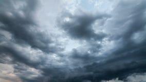 Nuvole di pioggia, timelapse archivi video