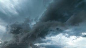 Nuvole di pioggia, timelapse video d archivio