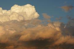 Nuvole di tempesta a Barcellona La crescita della tempesta Immagini Stock Libere da Diritti