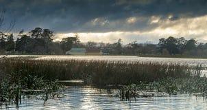 Nuvole di tempesta del lago Immagine Stock