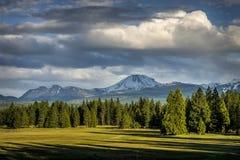 Nuvole di tempesta, picco di Lassen, parco nazionale vulcanico di Lassen Immagine Stock Libera da Diritti