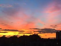 Nuvole drammatiche sopraelevate Fotografia Stock