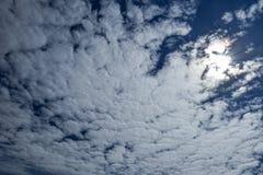 Nuvole durante l'eclissi fotografia stock libera da diritti