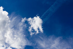 Nuvole e cielo blu Fotografie Stock