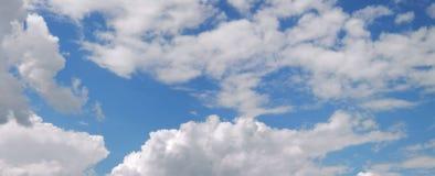 Nuvole e cielo in primavera Fotografia Stock