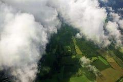 Nuvole e paesaggio di verde Fotografia Stock Libera da Diritti