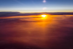 Nuvole e sole sopra i cieli di Europa Immagine Stock Libera da Diritti
