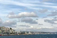 Nuvole ed il Bosforo di Costantinopoli Fotografia Stock