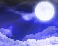 Nuvole illuminate dalla luna Fotografia Stock Libera da Diritti