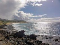 Nuvole lungo la costa di Oahu Fotografia Stock