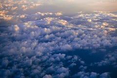 Nuvole nel cielo blu con luce solare da Immagine Stock Libera da Diritti
