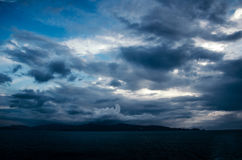 Nuvole nella sera Fotografie Stock Libere da Diritti