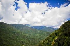 Nuvole nelle montagne Fotografia Stock Libera da Diritti