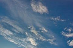 Nuvole Plumose nel cielo Fotografia Stock Libera da Diritti