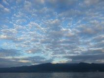 Nuvole prima di uguagliare Fotografie Stock Libere da Diritti