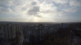 Nuvole rapide in sole di inverno stock footage