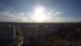 Nuvole rapide in sole di inverno archivi video