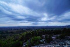 Nuvole ricevute alla montagna della Tabella Immagini Stock Libere da Diritti