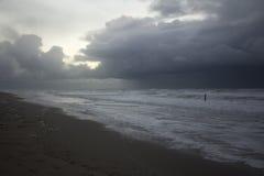 Nuvole scure che entrano Fotografia Stock Libera da Diritti