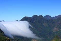 Nuvole sopra il maideira delle montagne Fotografia Stock Libera da Diritti