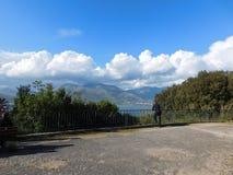 Nuvole sopra la montagna Fotografie Stock Libere da Diritti
