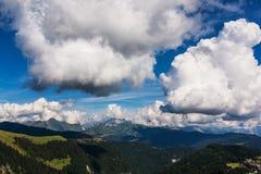 Nuvole sopra le alpi francesi Immagini Stock
