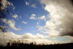 Nuvole sull'isola del resto Fotografia Stock