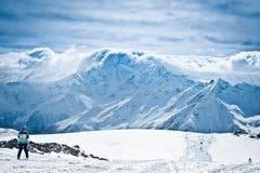 Nuvole sulla cima della cresta Fotografia Stock