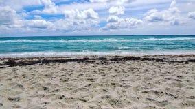 Nuvole sulla spiaggia Fotografia Stock