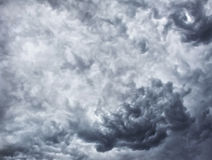 Nuvole temporalesche, nuvole di pioggia fotografia stock