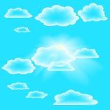 Nuvole trasparenti sul cielo di estate Immagini Stock Libere da Diritti