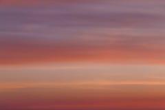 Nuvole variopinte in cielo ad alba Immagine Stock Libera da Diritti