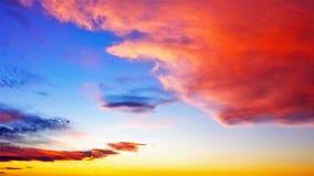Nuvole vibranti al tramonto Fotografia Stock