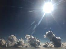 Nuvole volumetriche pazze immagine stock