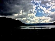 nuvoloso in lago buyan Fotografia Stock Libera da Diritti