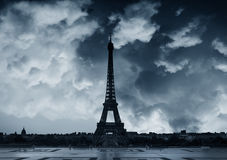 Nuvoloso a Parigi Immagini Stock